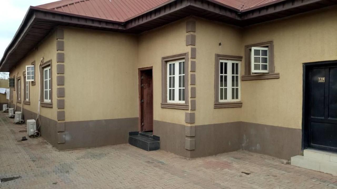 Momak 2 Hotel And Suites