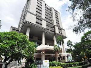 Bliston Suwan Parkview Hotel