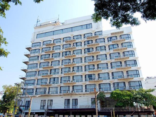โรงแรมซี เอช – C H Hotel