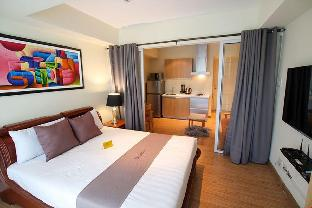 picture 1 of 5 star Condotel at Azure Urban Resort TR1105 BV