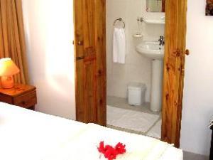 La Gayole Self-Catering Studio Apartments