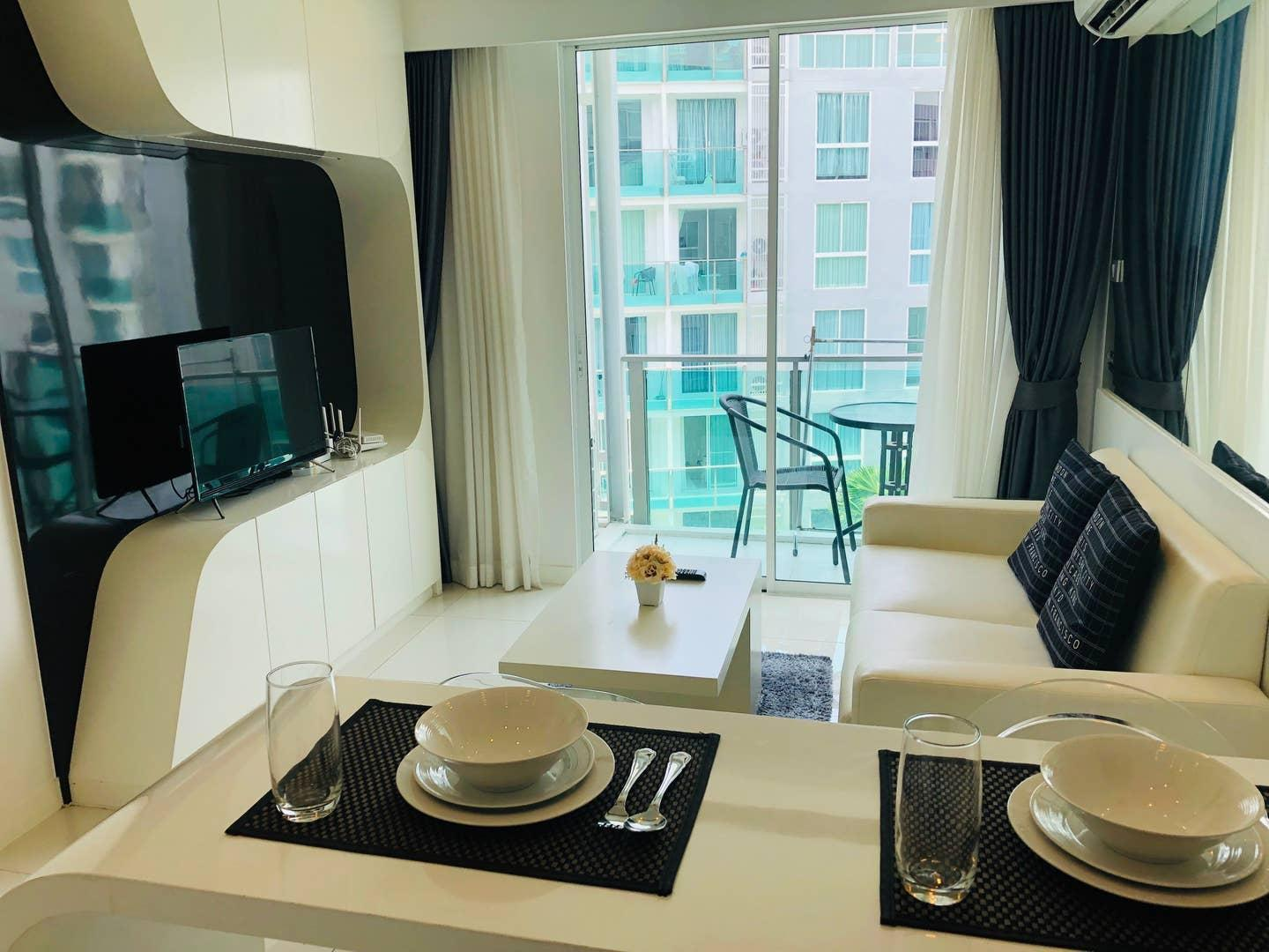 DOWNTOWN 1 Bed In City Center Residence