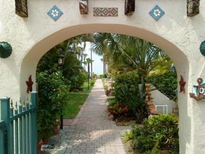 Sandpiper Inn   Florida