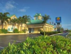 關於可可海灘康福特茵套房度假酒店 (Comfort Inn and Suites Resort Cocoa Beach)