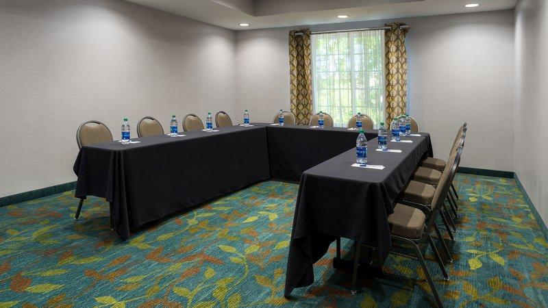 Candlewood Suites Grove City   Outlet Center