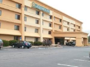 La Quinta Inn Mansfield Hotel