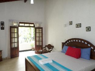 River Side Home Stay 3