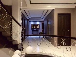 picture 4 of Verazza Hotel
