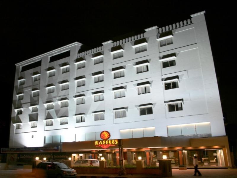 Hotel Maharaja Classic Inn
