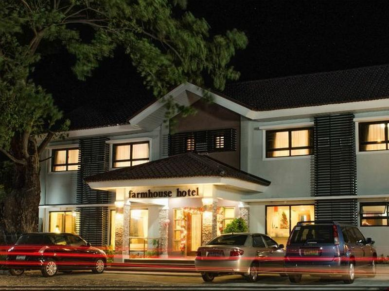 Farmhouse Hotel And Cafe