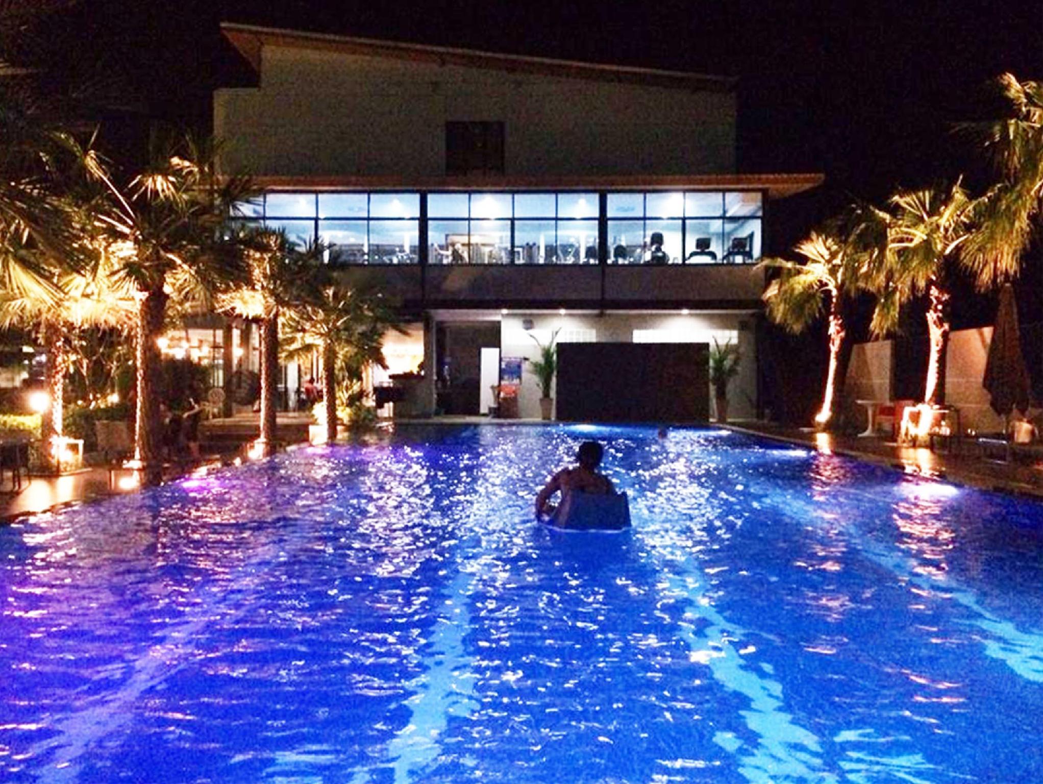 Ray Hotel