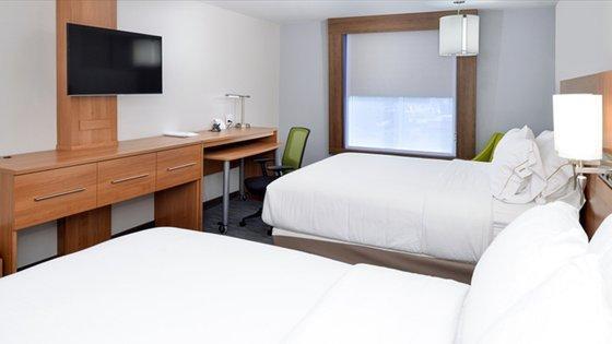 Holiday Inn Express & Suites Lexington Midtown