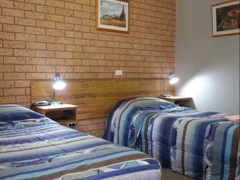 Three Ways Motel