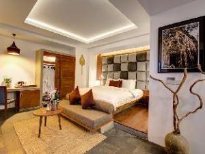 Solitaire Damnak Hotel