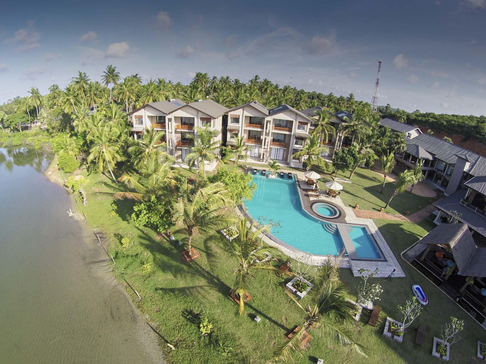 Amaranthe Bay Resort And Spa