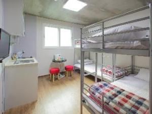 Hostel KW Hongdae Line