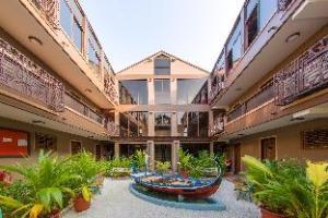 Hotel Rashu Hiyaa