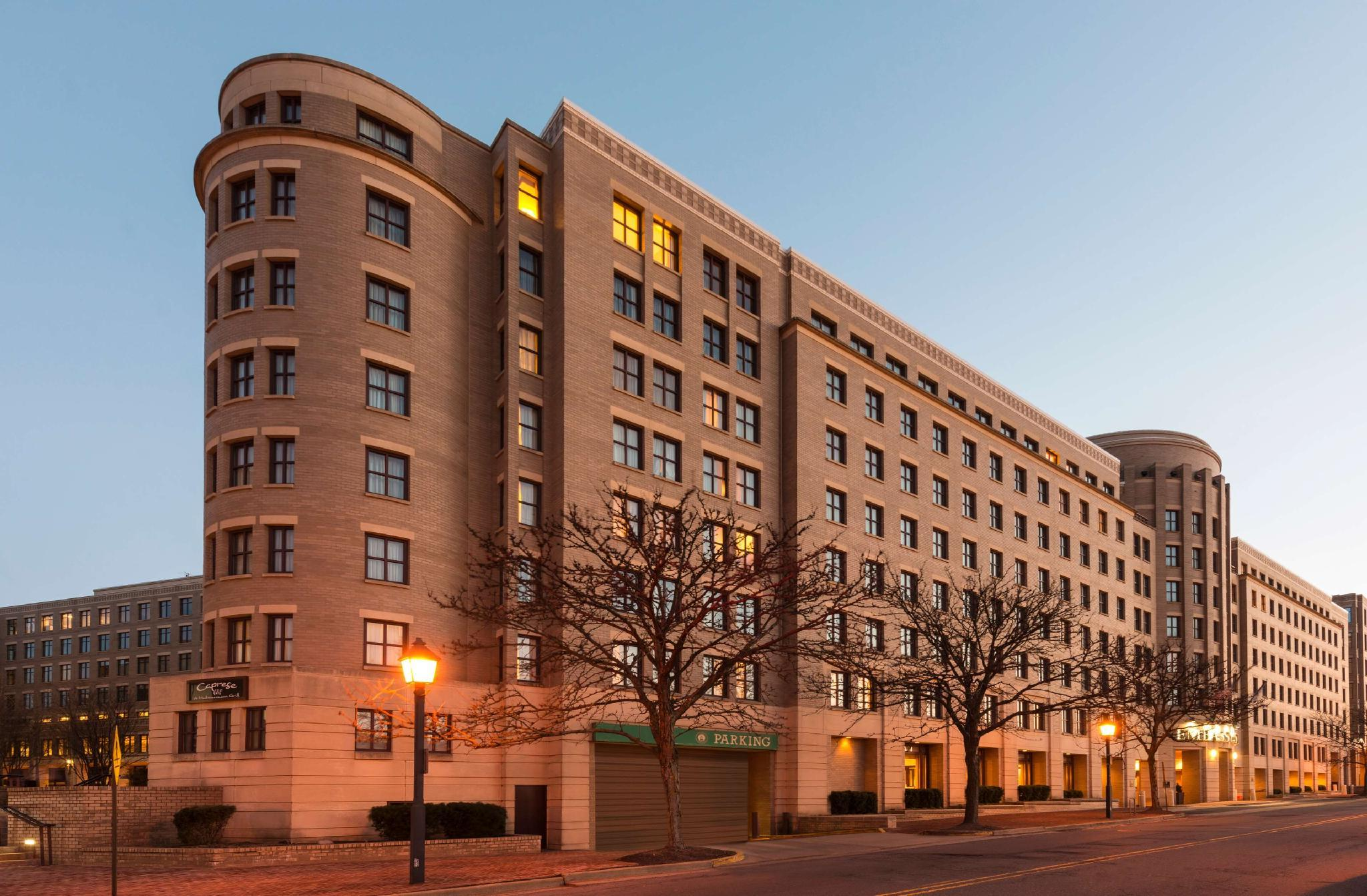 Embassy Suites Alexandria Old Town Hotel