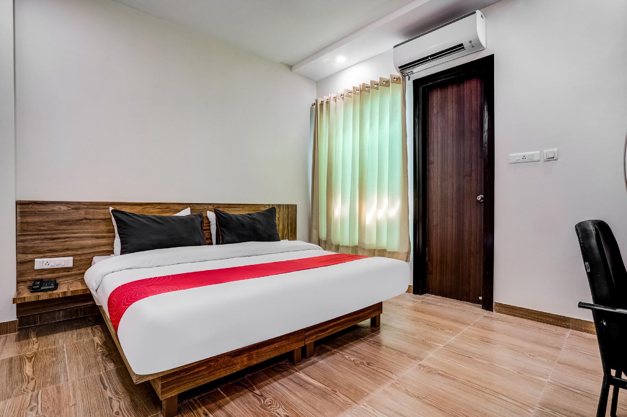 Collection O Premium 30115 Hotel Sai Residency Sector 7