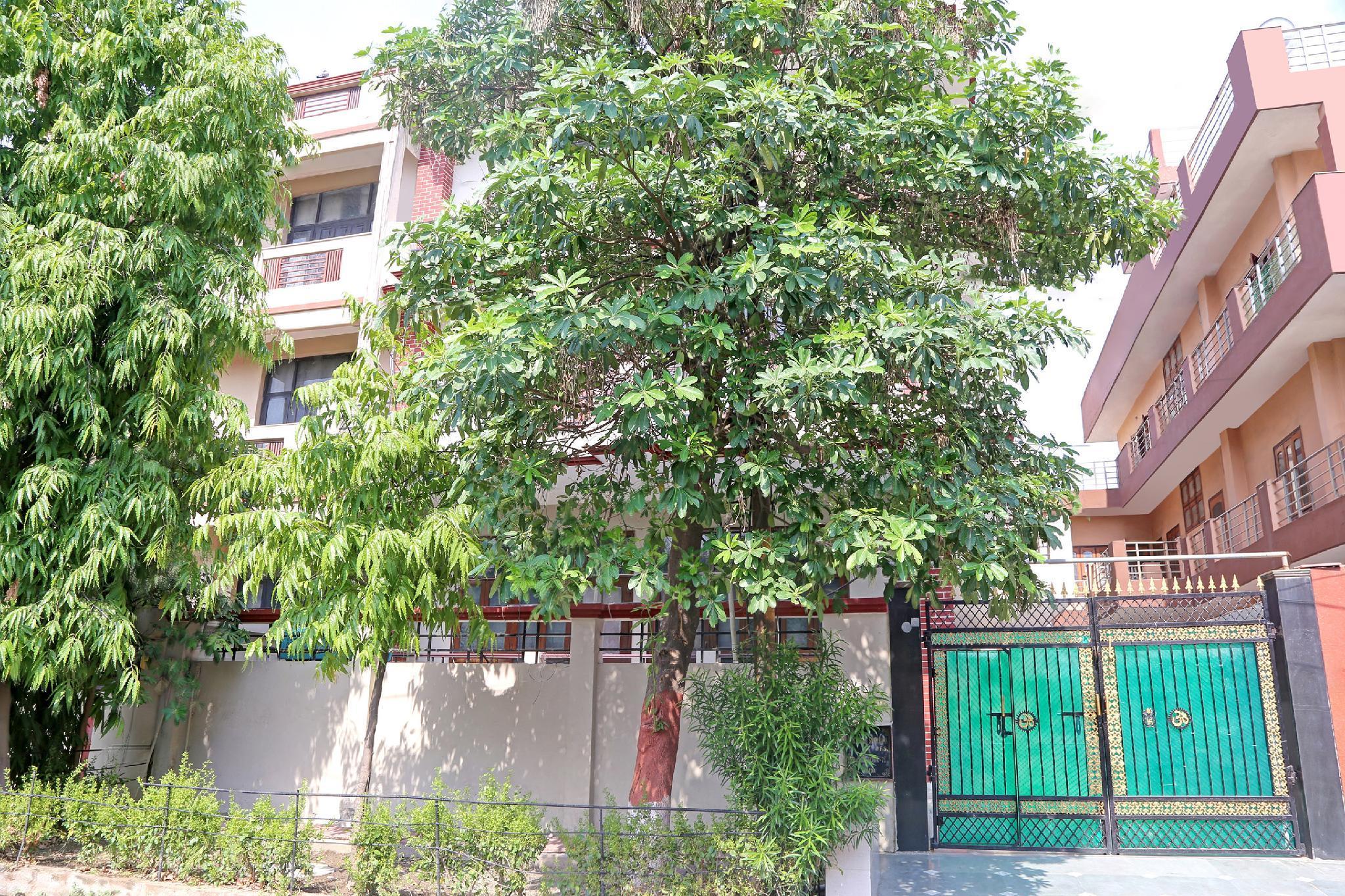 OYO 40641 Unique Residency