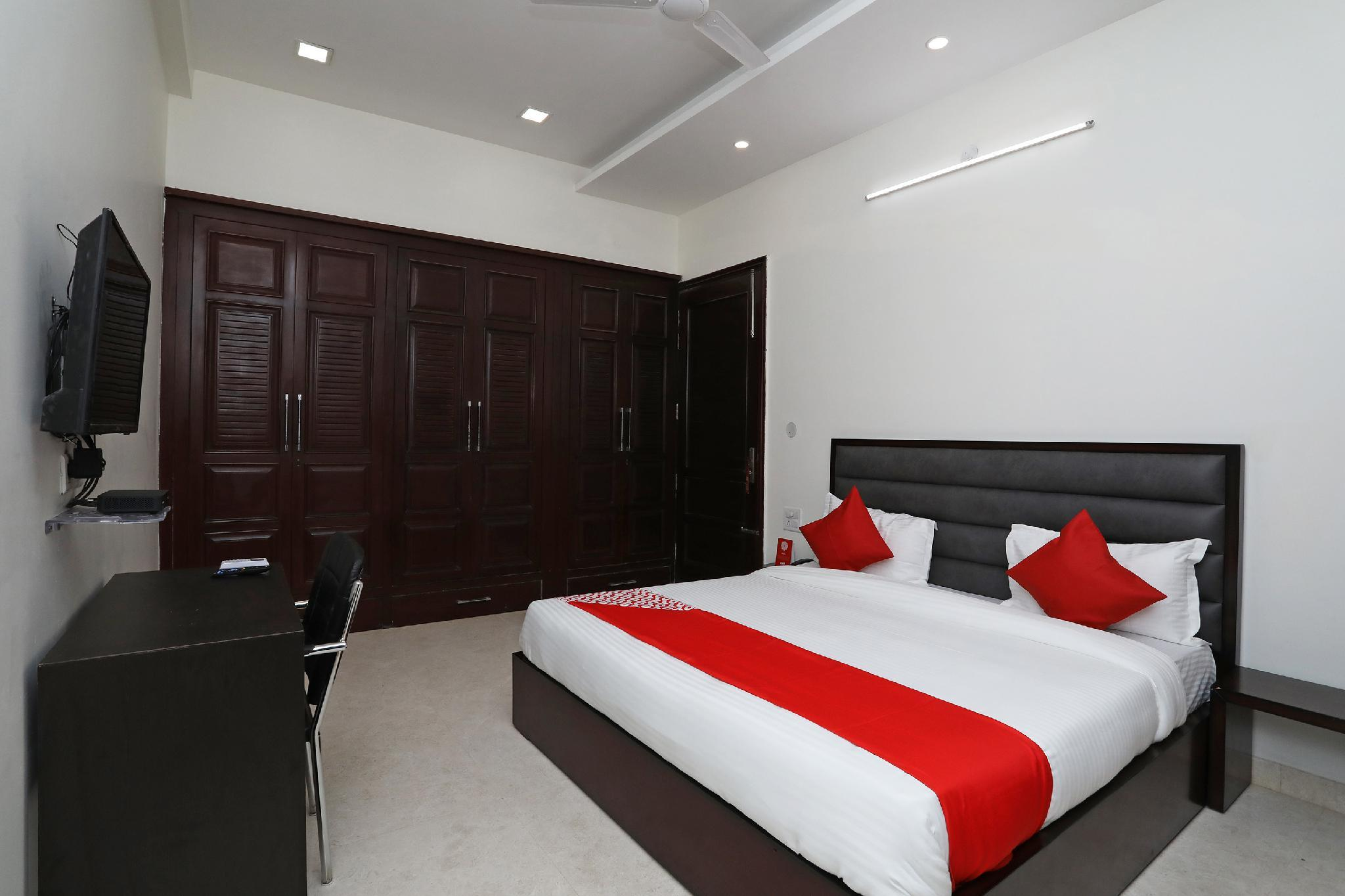 OYO 40625 Star Rooms
