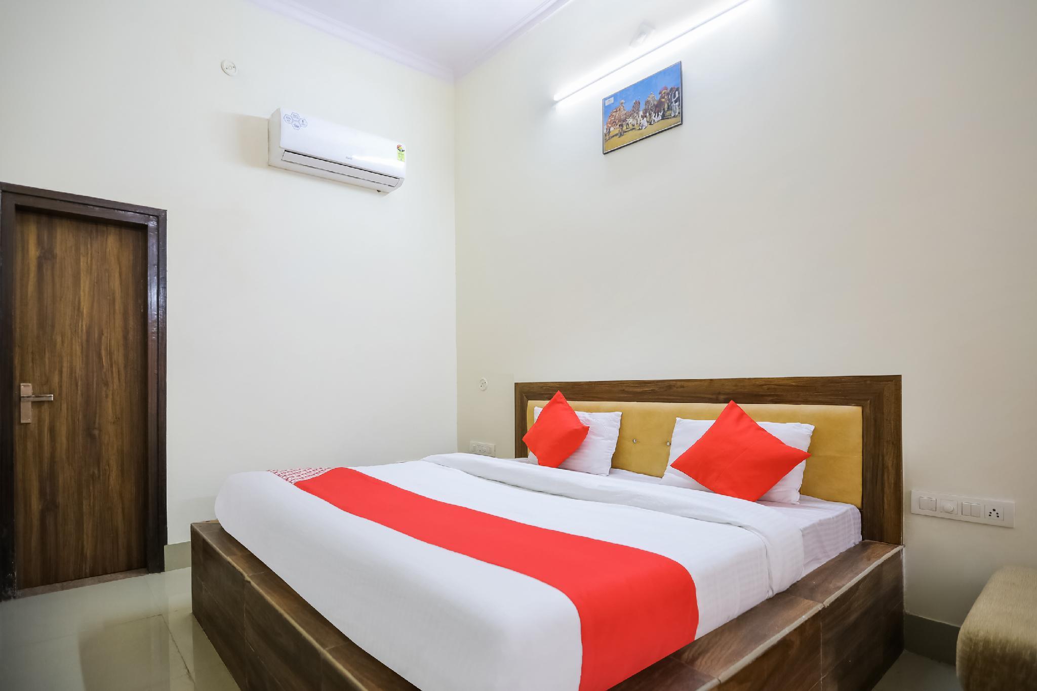 OYO 35554 Prateek Paying Guest House