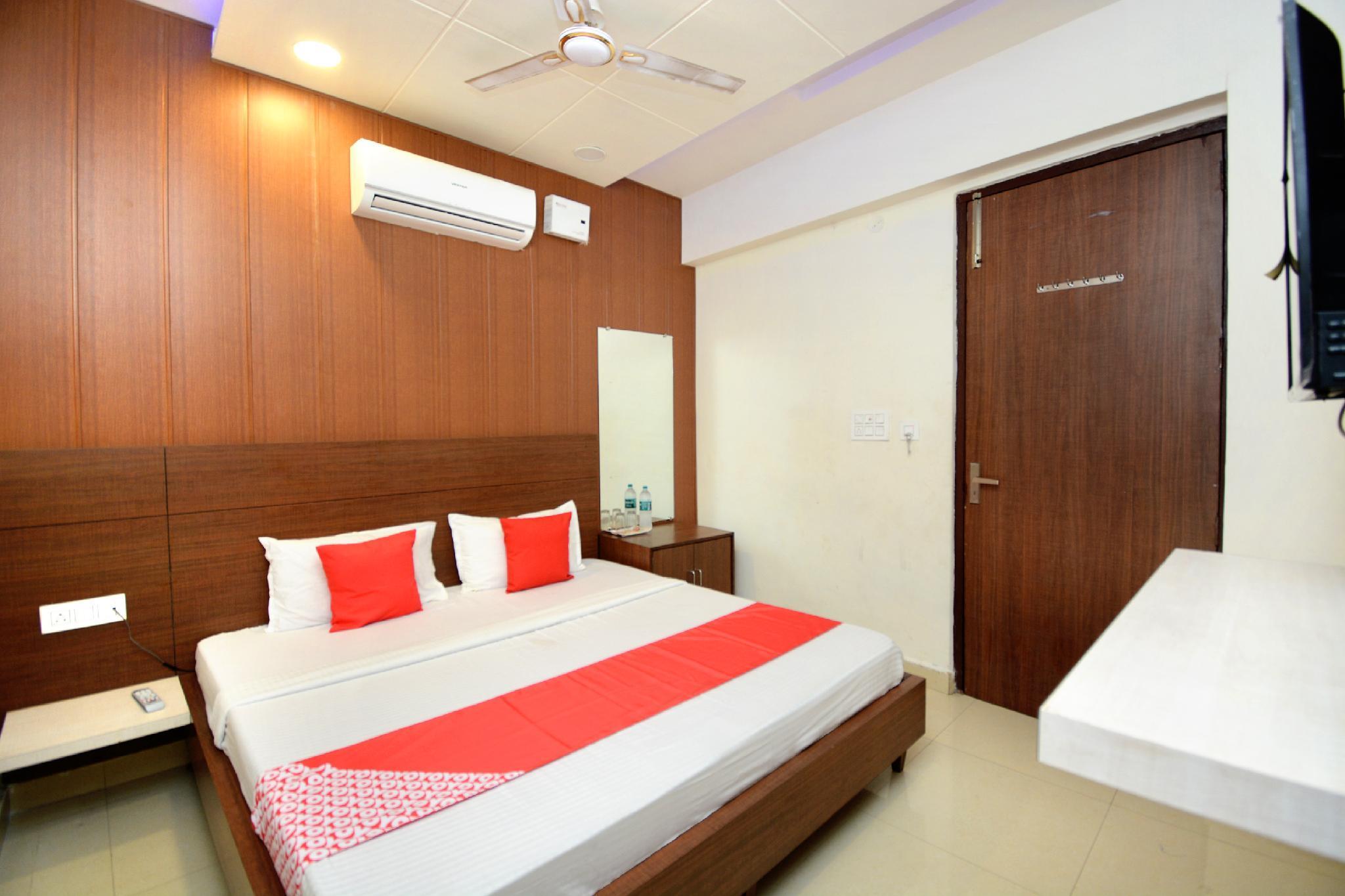 OYO 40504 Hotel Avtar Residency