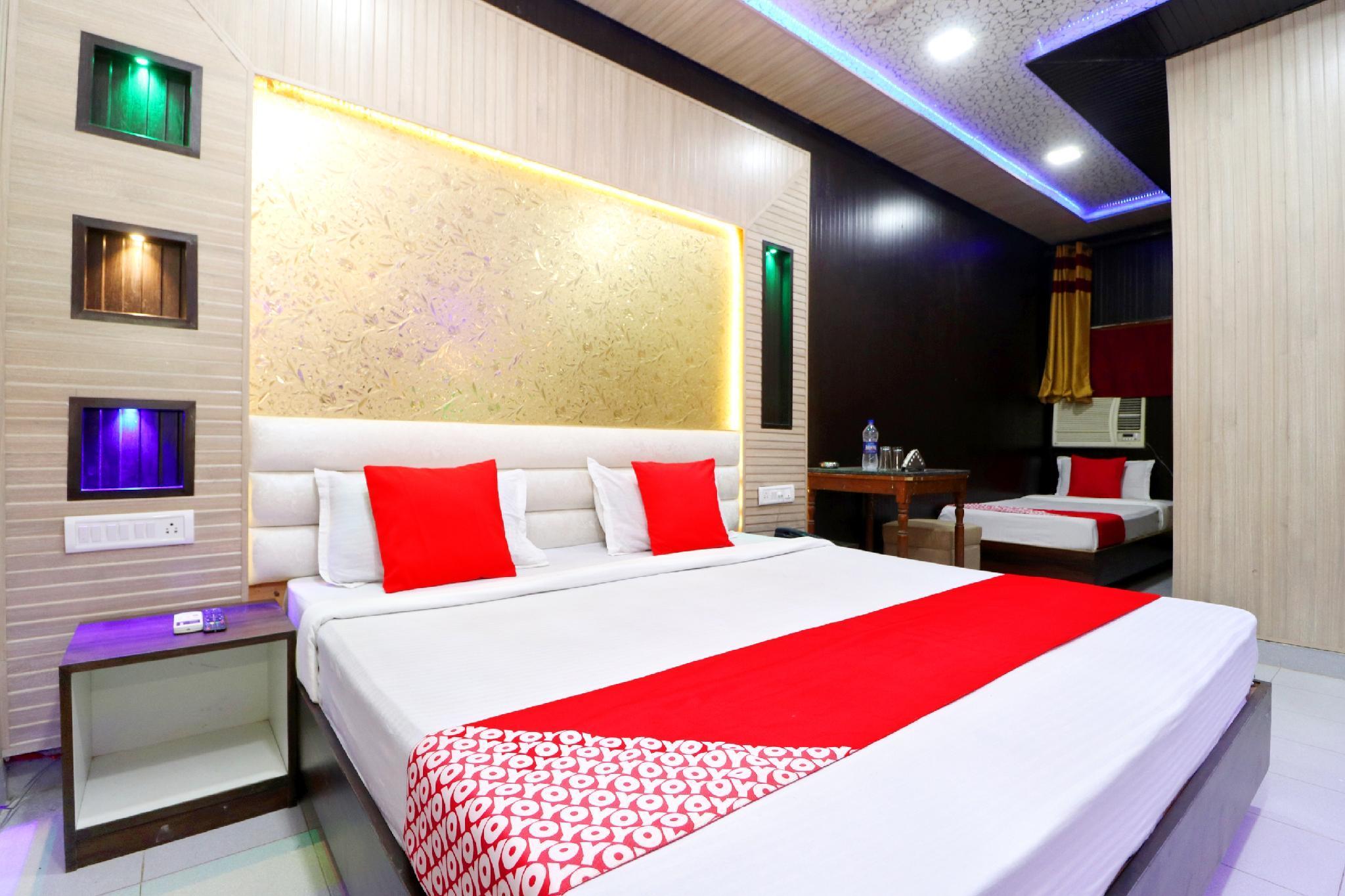 OYO 41743 Hotel Silver