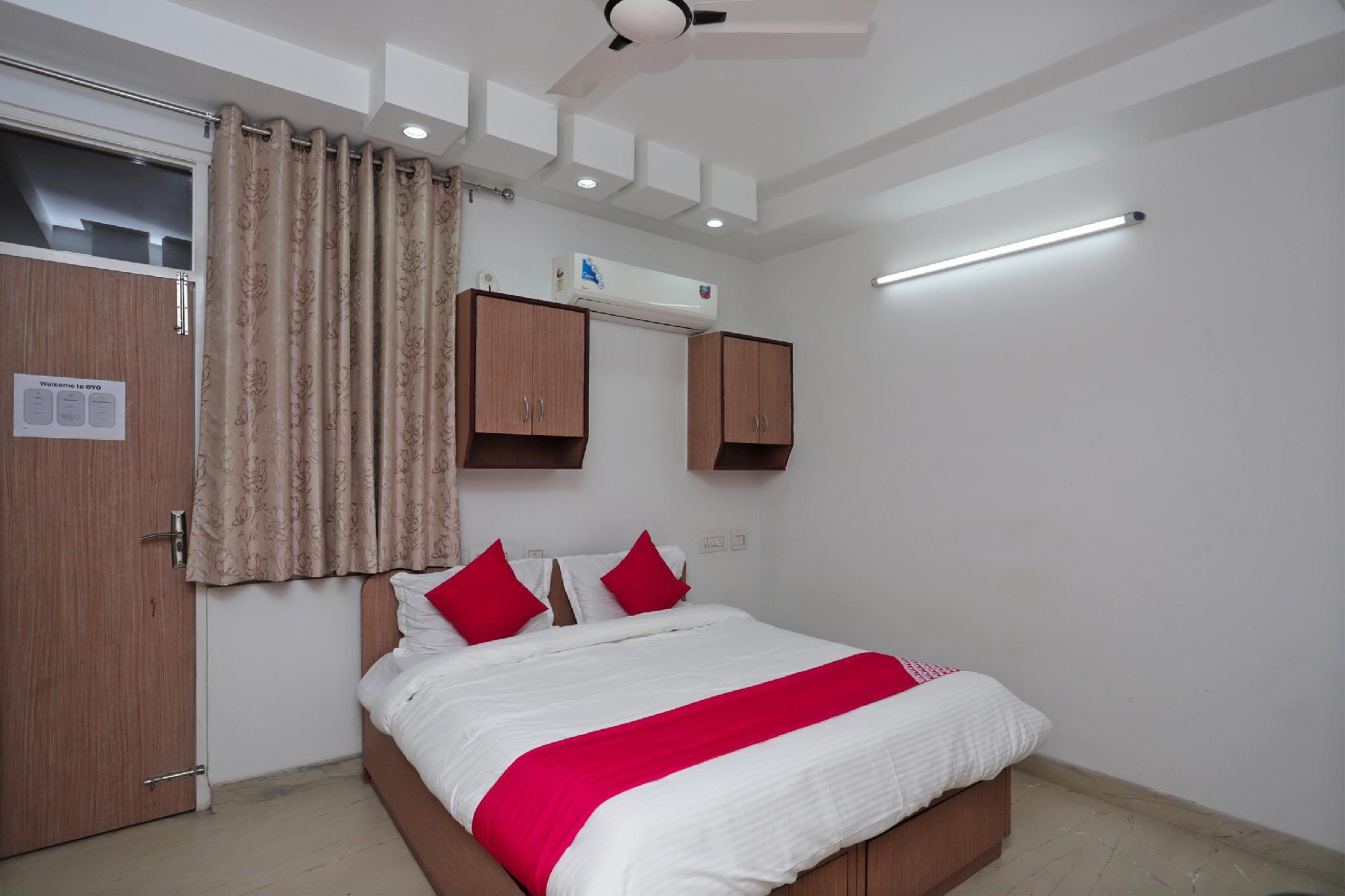 OYO 40710 Cmc Residency