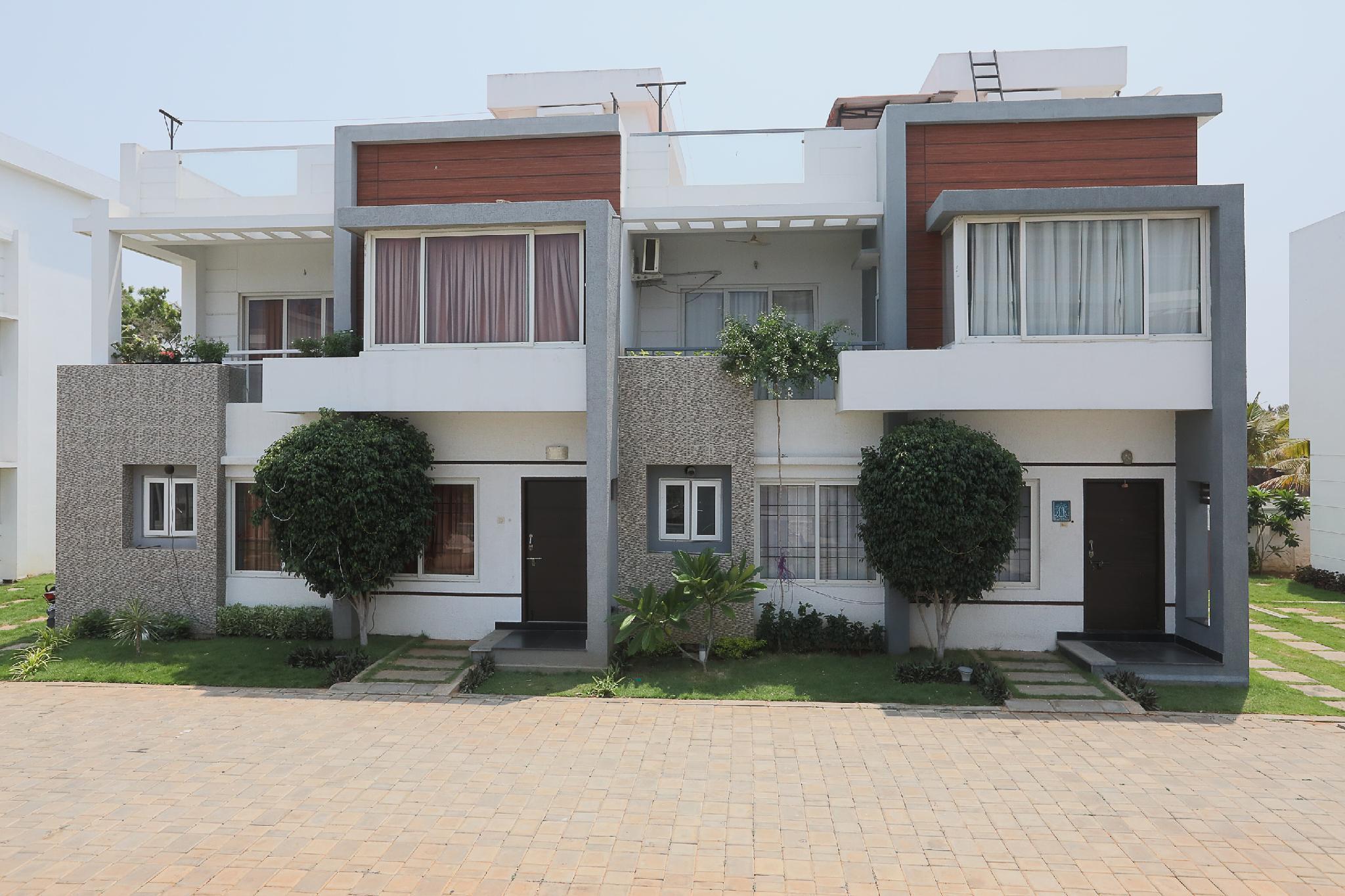 OYO 42045 Nakshatra Enclave