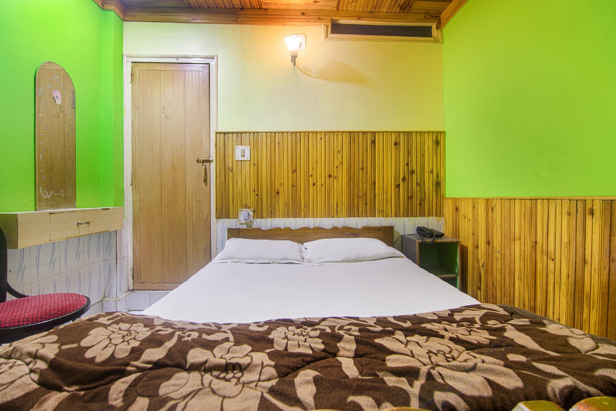 SPOT ON 41022 Koshiniwas Hotel