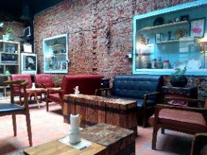 Move-Together cafe hostel (Move-Together cafe hostel)