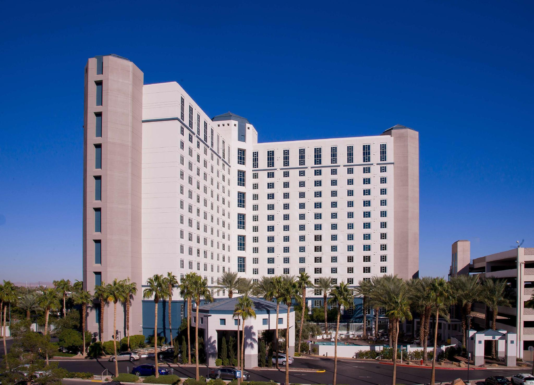 Hilton Grand Vacations on Paradise (Convention Center)