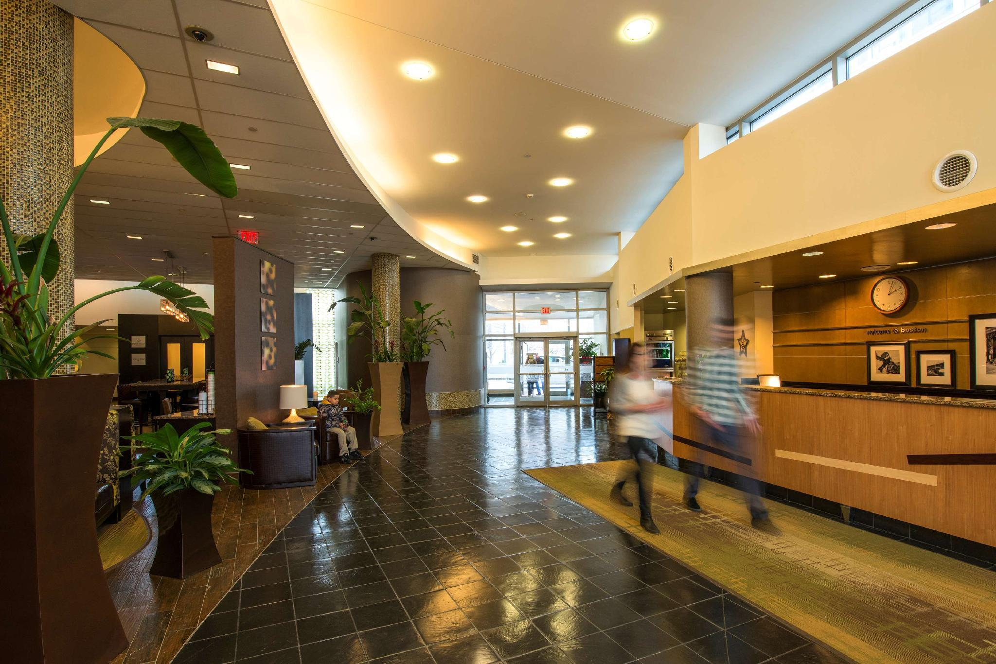 Hampton Inn And Suites Boston Crosstown Center