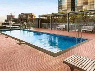 Фото отеля Melbourne Holiday Apartments McCrae