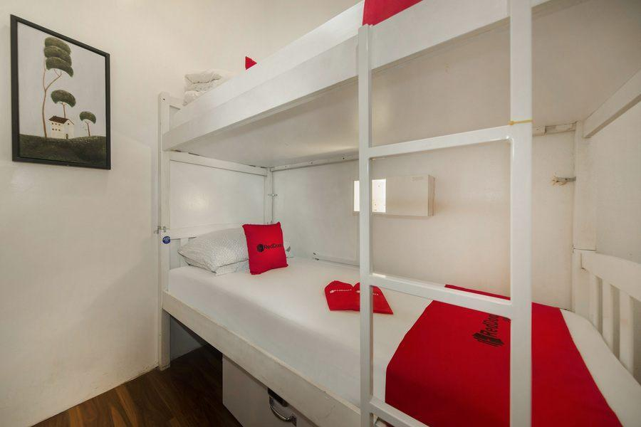 RedDoorz Hostel @ Bugis