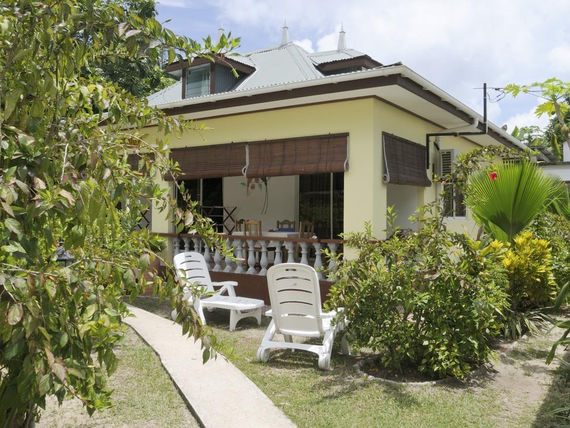 Pension Hibiscus Guesthouse