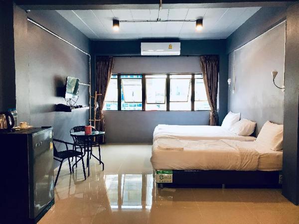 SleepCats Hostel Bangkok