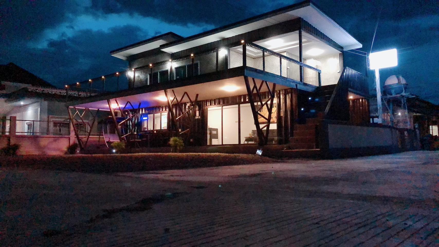 IFantasy Motel
