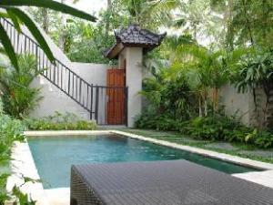 วิลลา นังหา (Villa Nangka)