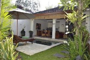 關於可姆北麗別墅 (Villa Kembali)