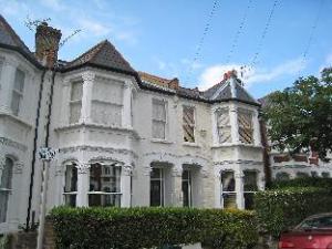 Alexandra Place Twickenham 3 Bedroom House