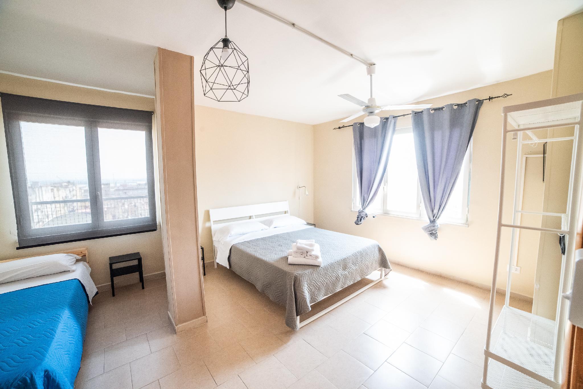 Departure Rooms 'n Hostels