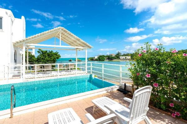 0min to Sea! Stay hotel with private pool! Okinawa Main island