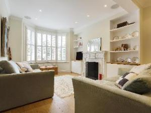 Veeve  Victorian House Fulham