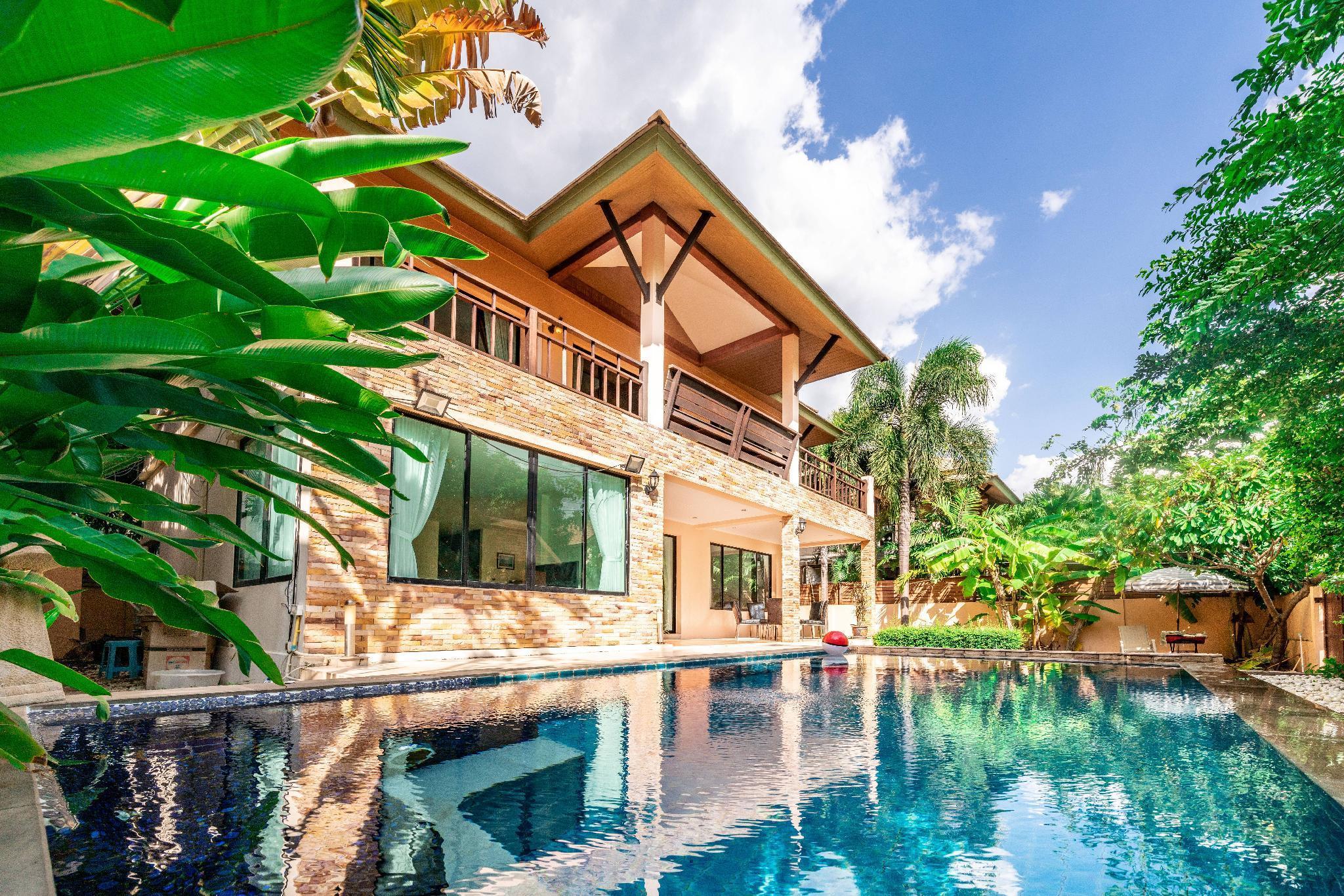 Pattaya 4 Bedroom Pool Villa Walking Street  37