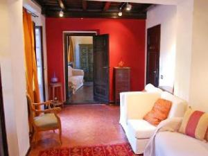Trastevere Enchanting Balcony 2 Bedroom Apartment