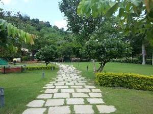 Hiranya Resorts