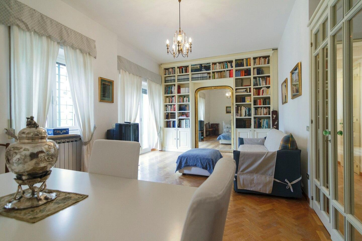 Naples Exclusive Getaway   With Private Parking