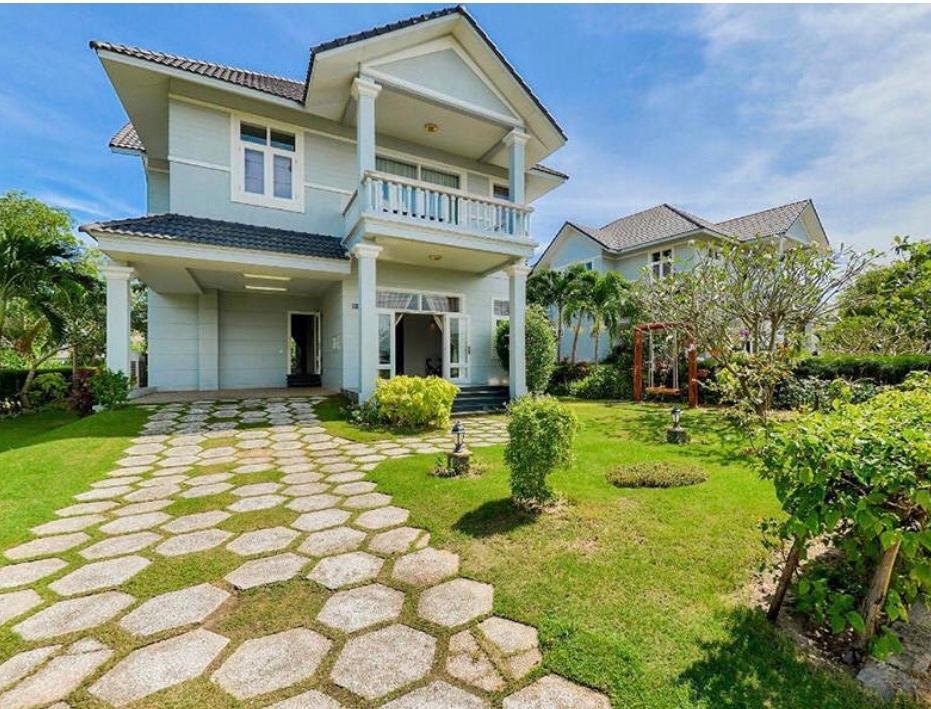 Deluxe 3 BR Villas At F.Villa DaiLai Resort